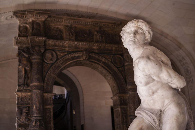 Our Louvre highlights tour also includes some famous, unfinished works from Michelangelo.