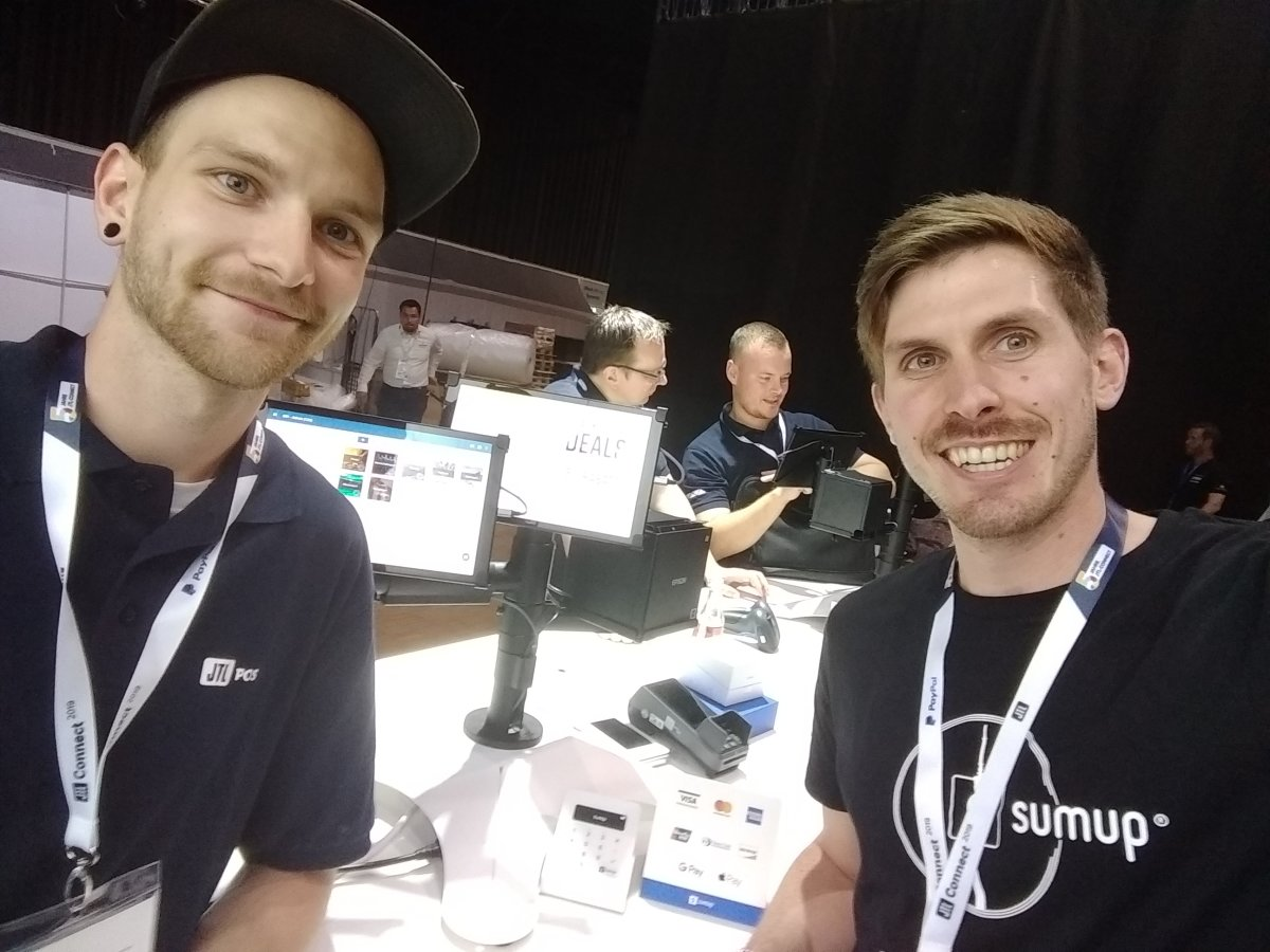 A SumUp Partner Manager with a colleague from JTL-Software at JTL Connect 2019