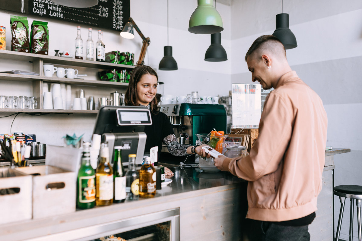 coffeeshop accepting mobile payments