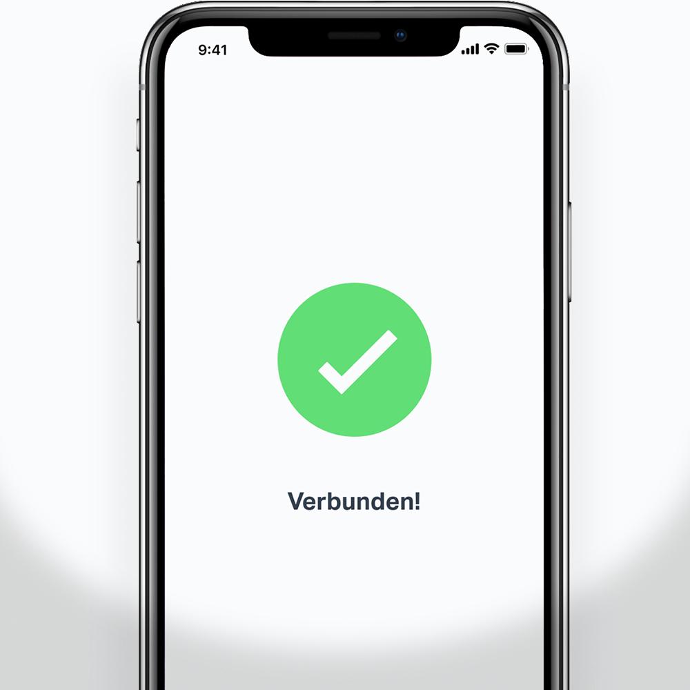Ein Smartphone stellt eine Verbindung zum SumUp Air-Kartenterminal her