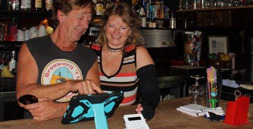SumUp Kaartlezer Pin apparaat bij Eetcafe de Oceaan
