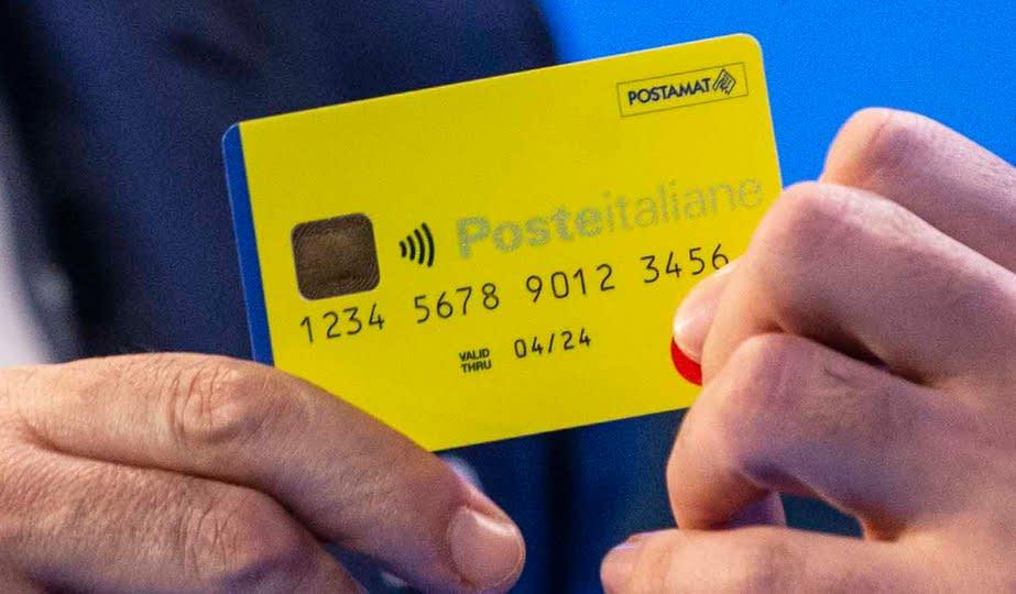 Reddito di Cittadinanza, record di Dom Perignon acquistati con la tessera gialla