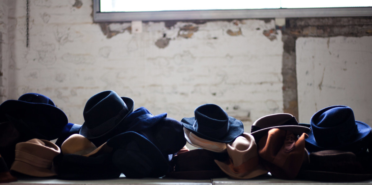 vino-kilo-hats
