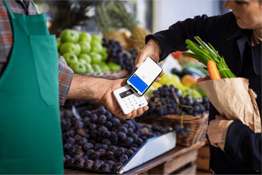 Customer pays the greengrocer by phone