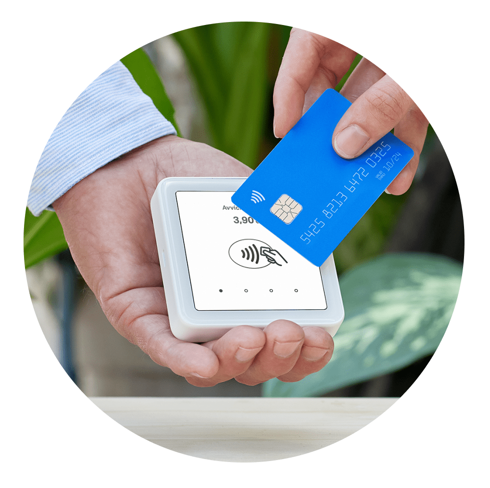 How to use the card machine to accept contactless payments