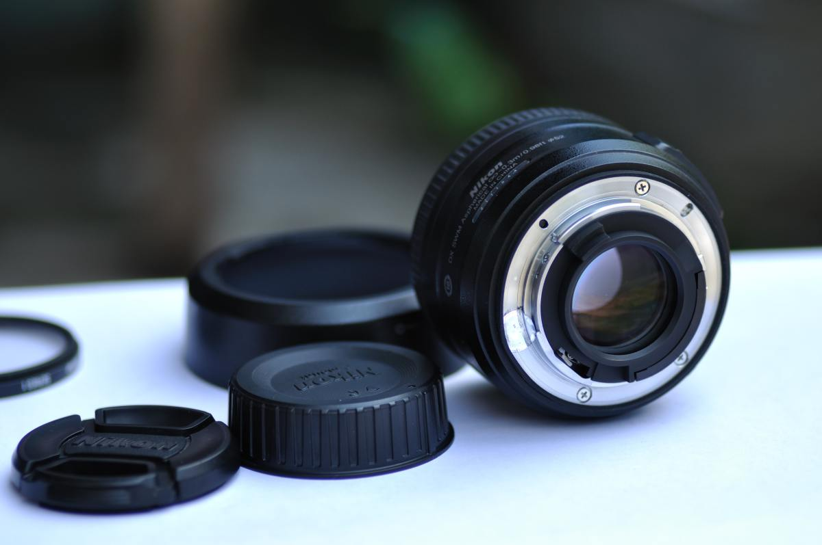 A photo of a camera lens for product photography