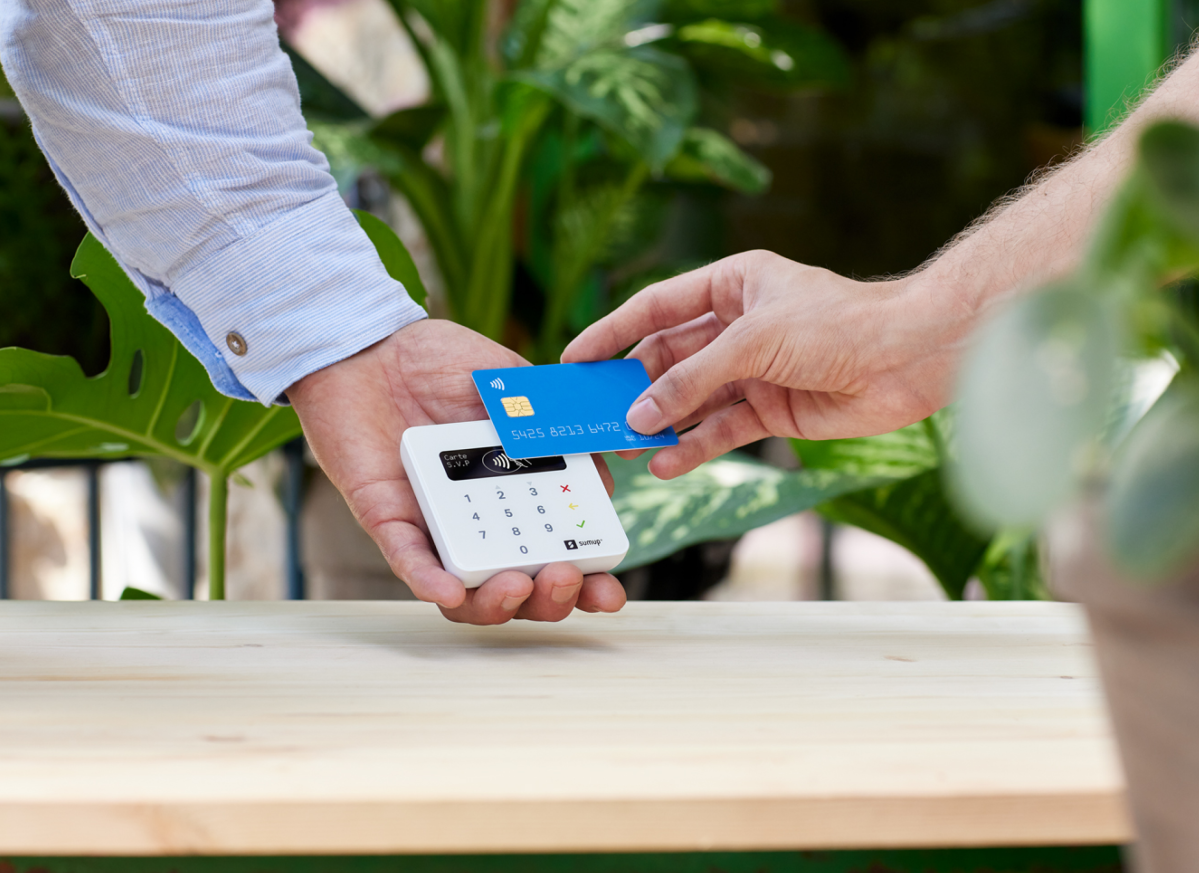 SumUp Air card payment machine for small business