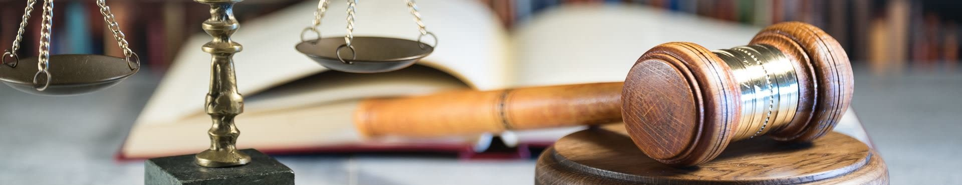 Shine Lawyers | Gavel, scales and law books | Shine Lawyers