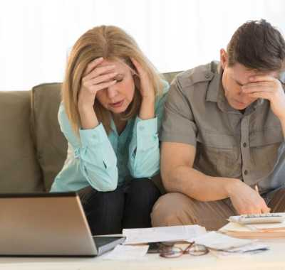 Shine Lawyers | Couple worried about finances | Shine Lawyers