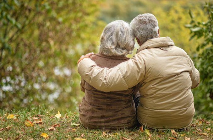 Yaşlı yetişkinler görme değişiklikleri yaşarlar
