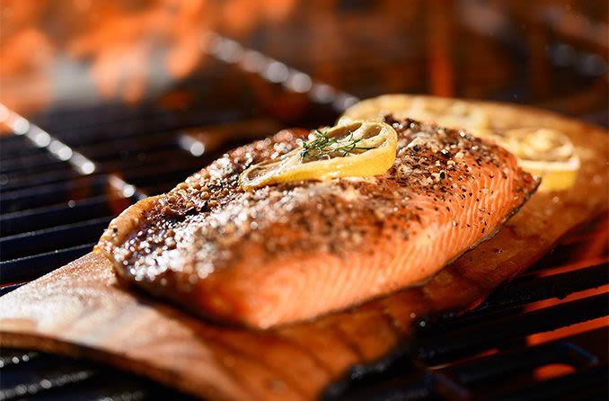 salmón a la parrilla para una buena salud ocular