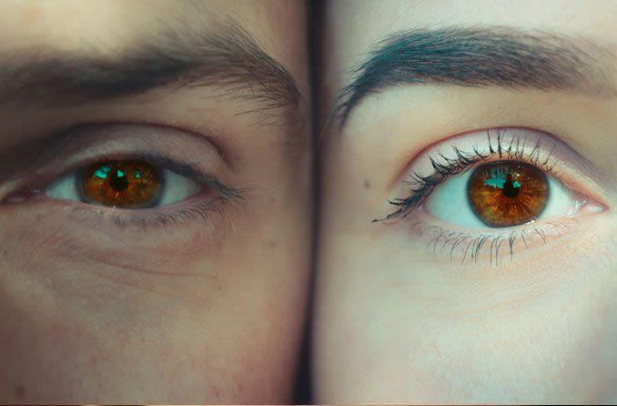 Kahverengi gözlü kadın ve erkek.