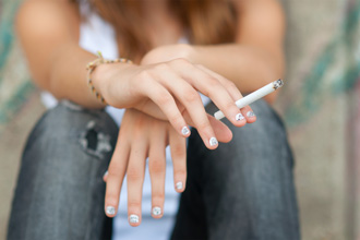 Avoid early vision loss by never smoking