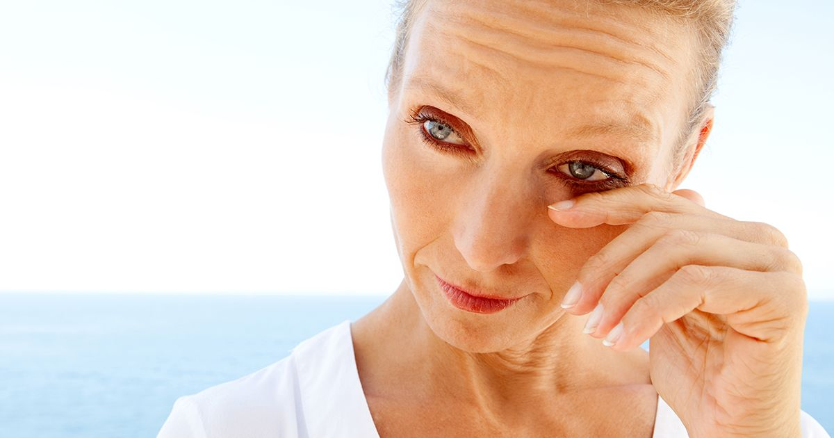 middle-age woman experiencing dry eyes