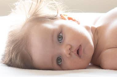ela gözlü bebek