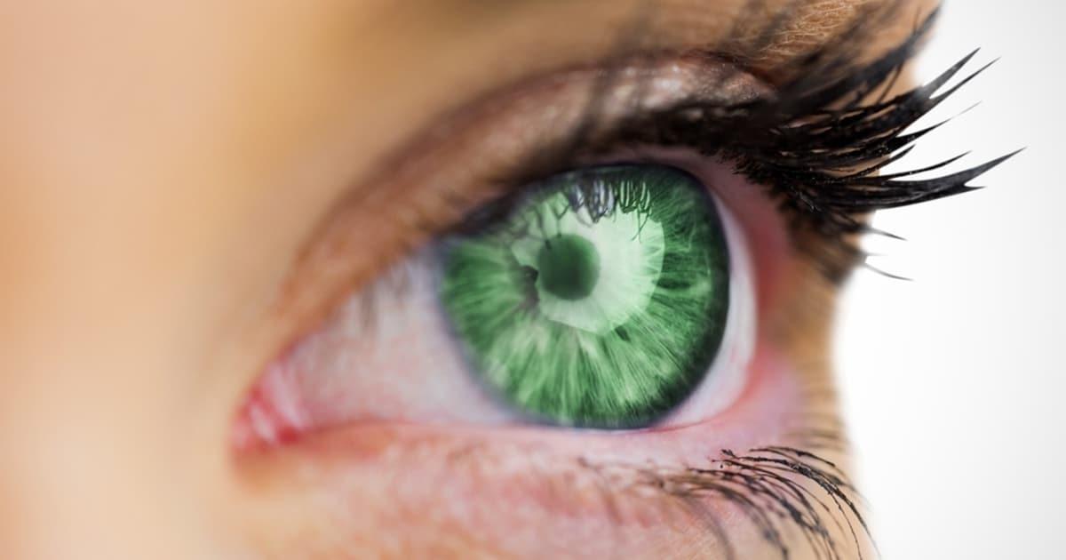 Donna con gli occhi verdi