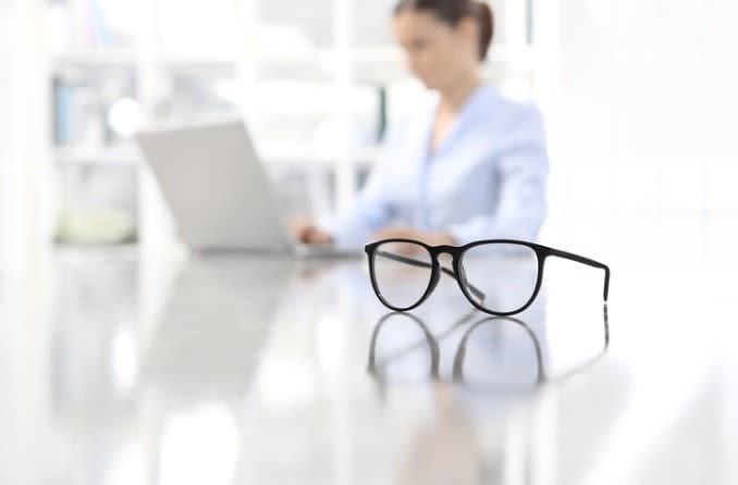 कंप्यूटर चश्मा डिजिटल आंख तनाव के साथ मदद कर सकता है