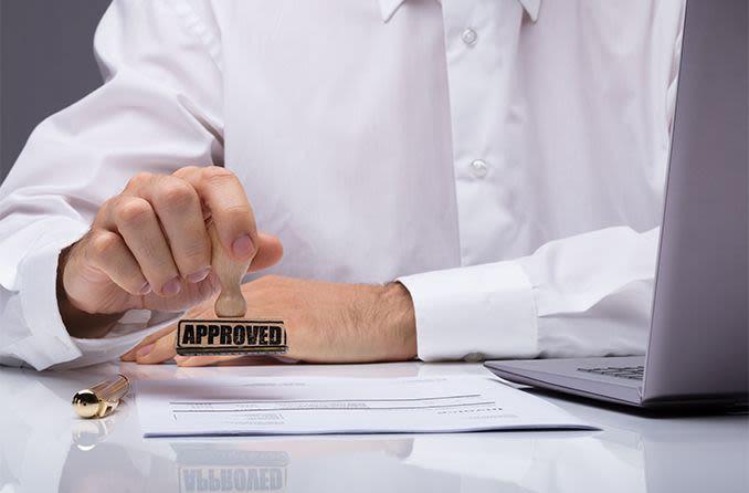 eye doctor approving vision insurance claim