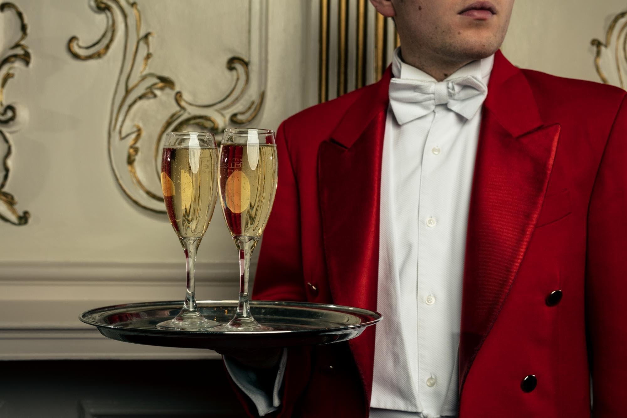 DNU - Test - TLP Hospitality Red Coat champagne