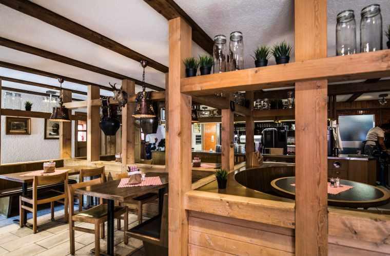 180816_Piz_Calmot_Restaurant_4927_WEB.jpg