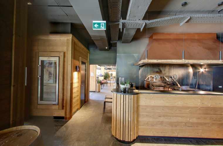 Restaurant_SteakhouseUrsus.jpg