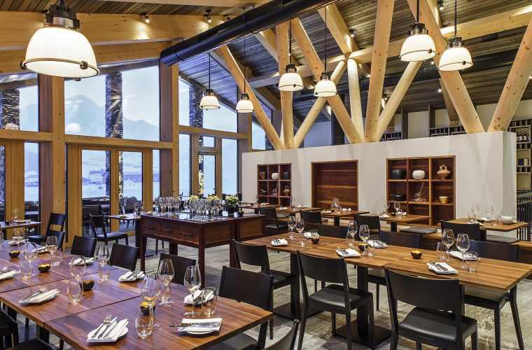 Golf-Clubhaus_Winter_Restaurant_ASA-Reto Guntli (1)_Low.jpg