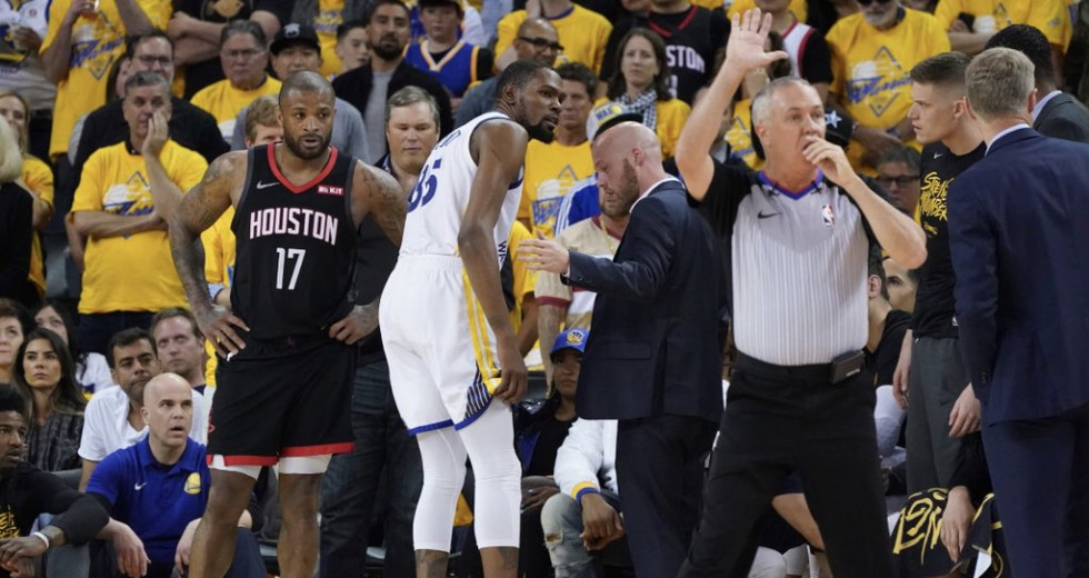 844d2c38d80f Kevin Durant injured as Warriors edge Rockets in Game 5