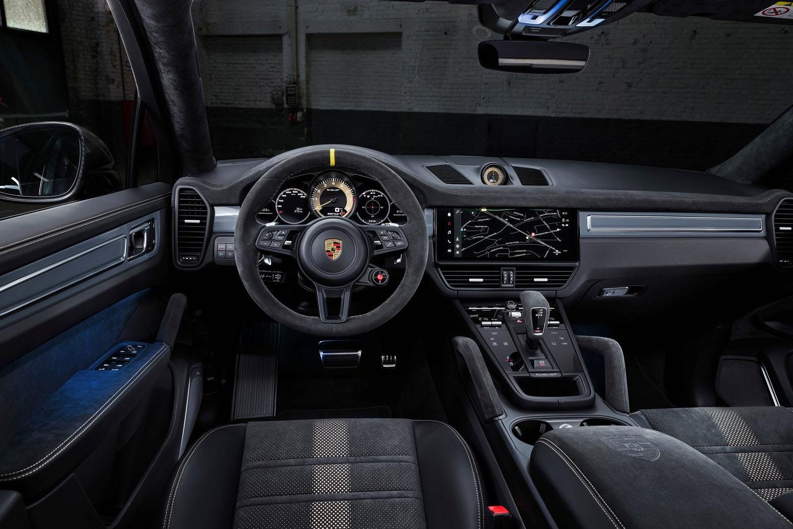 Porsche Cayenne GT 2022 interior