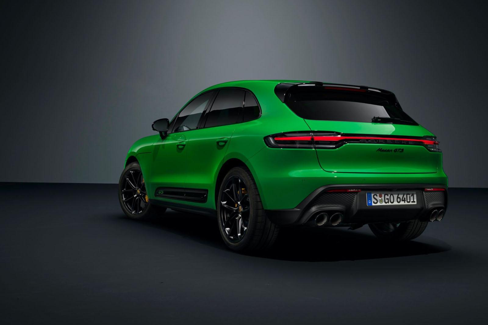 Porsche-Macan-2022-Rear-Side