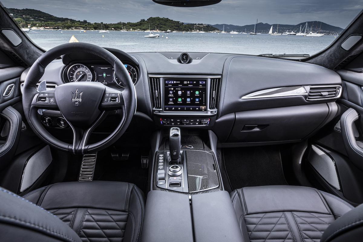 Maserati Levante Hybrid interiors HIGH P2A7116