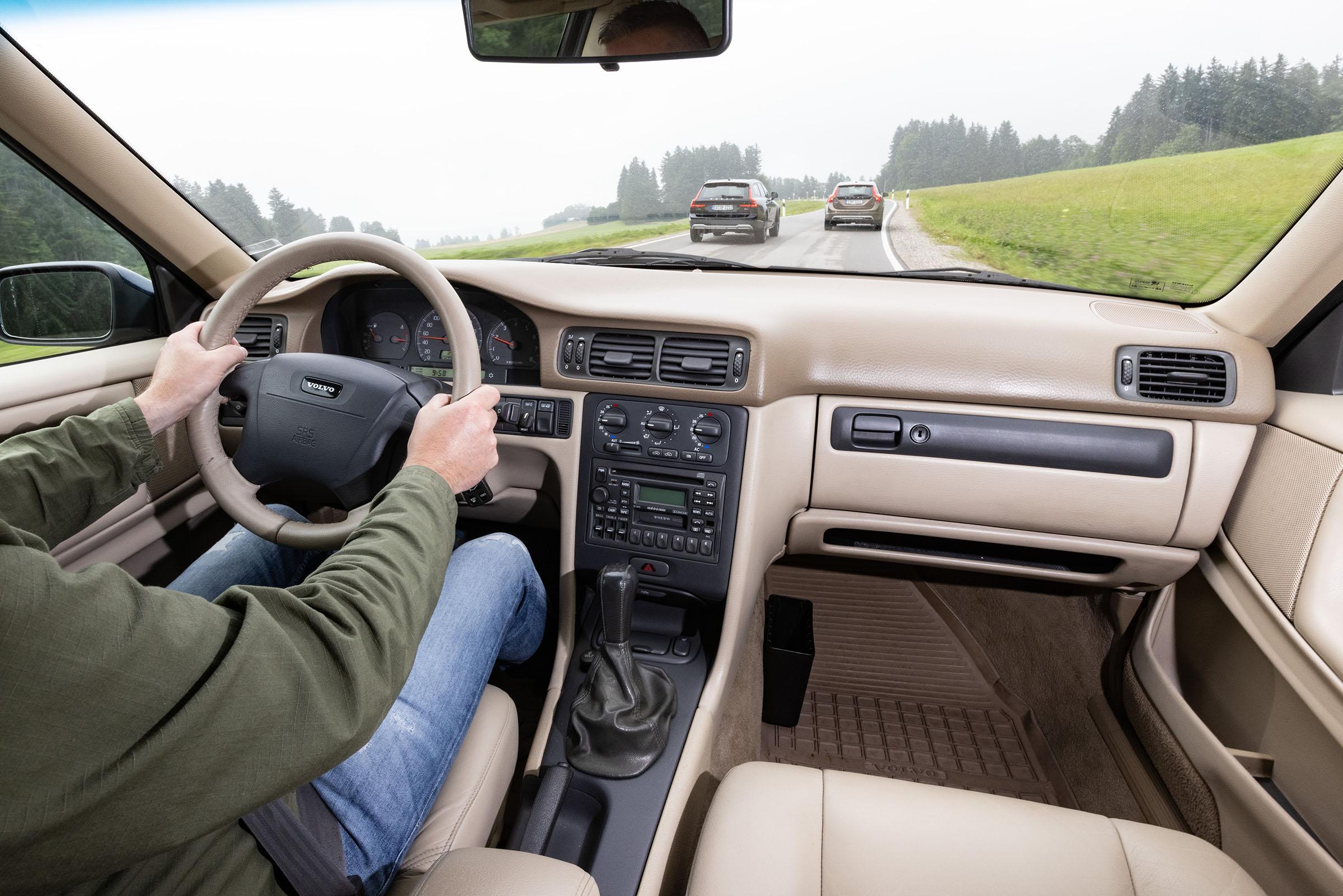Volvo Cross Country V70XC interior