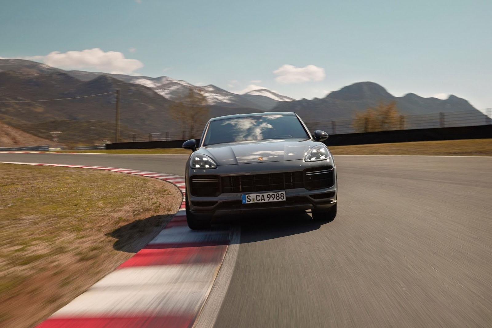 Porsche Cayenne GT 2022 front
