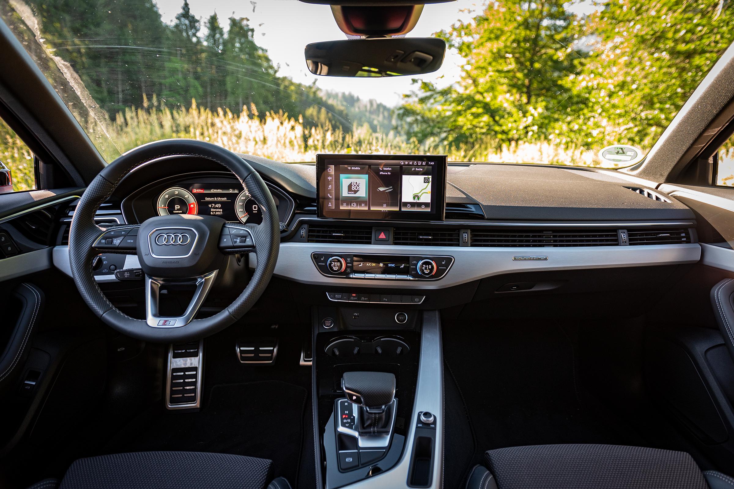 Audi A4 Avant 2021 interior