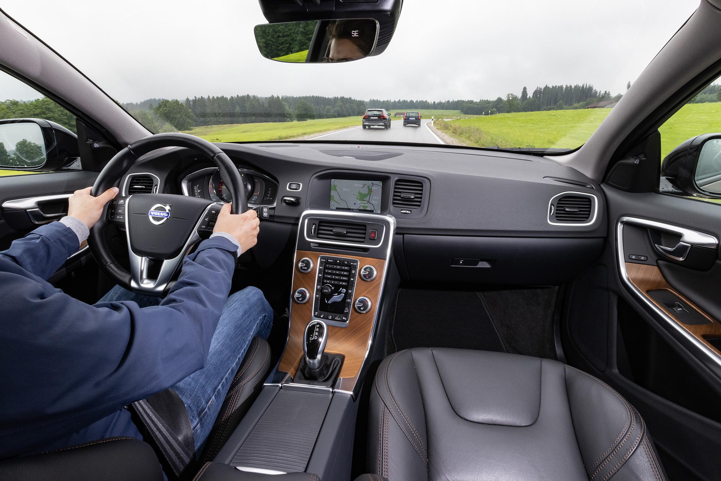 Volvo Cross Country V60CC interior