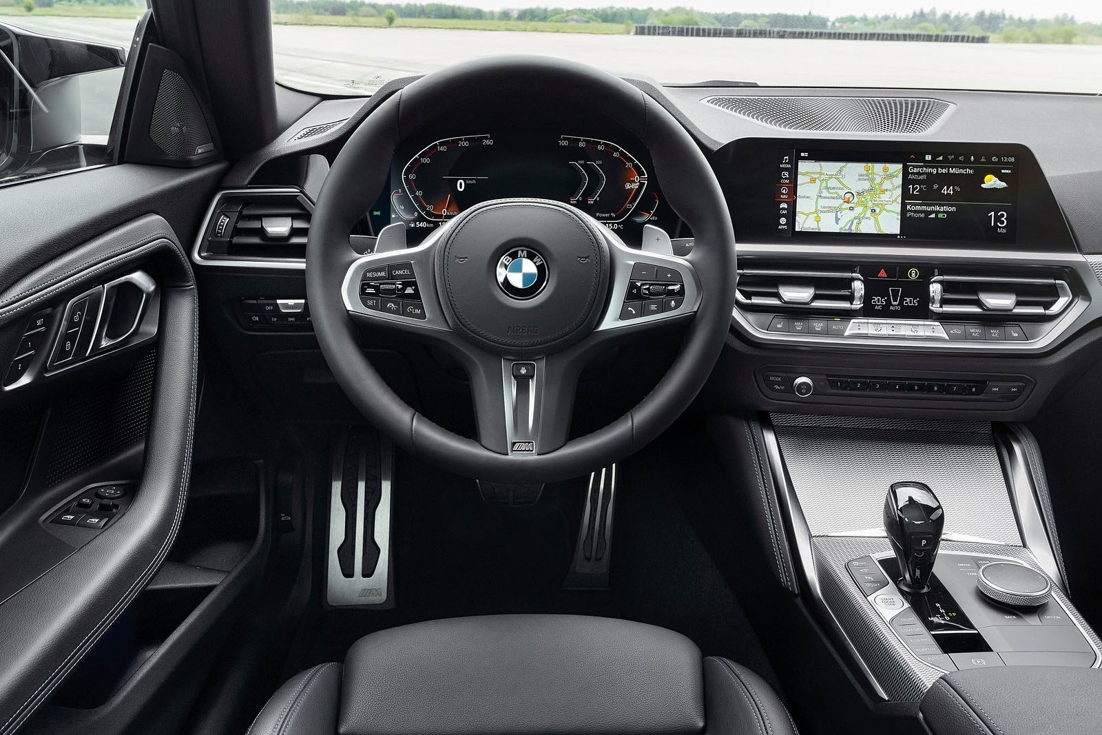 BMW M240i xDrive 2022 interior