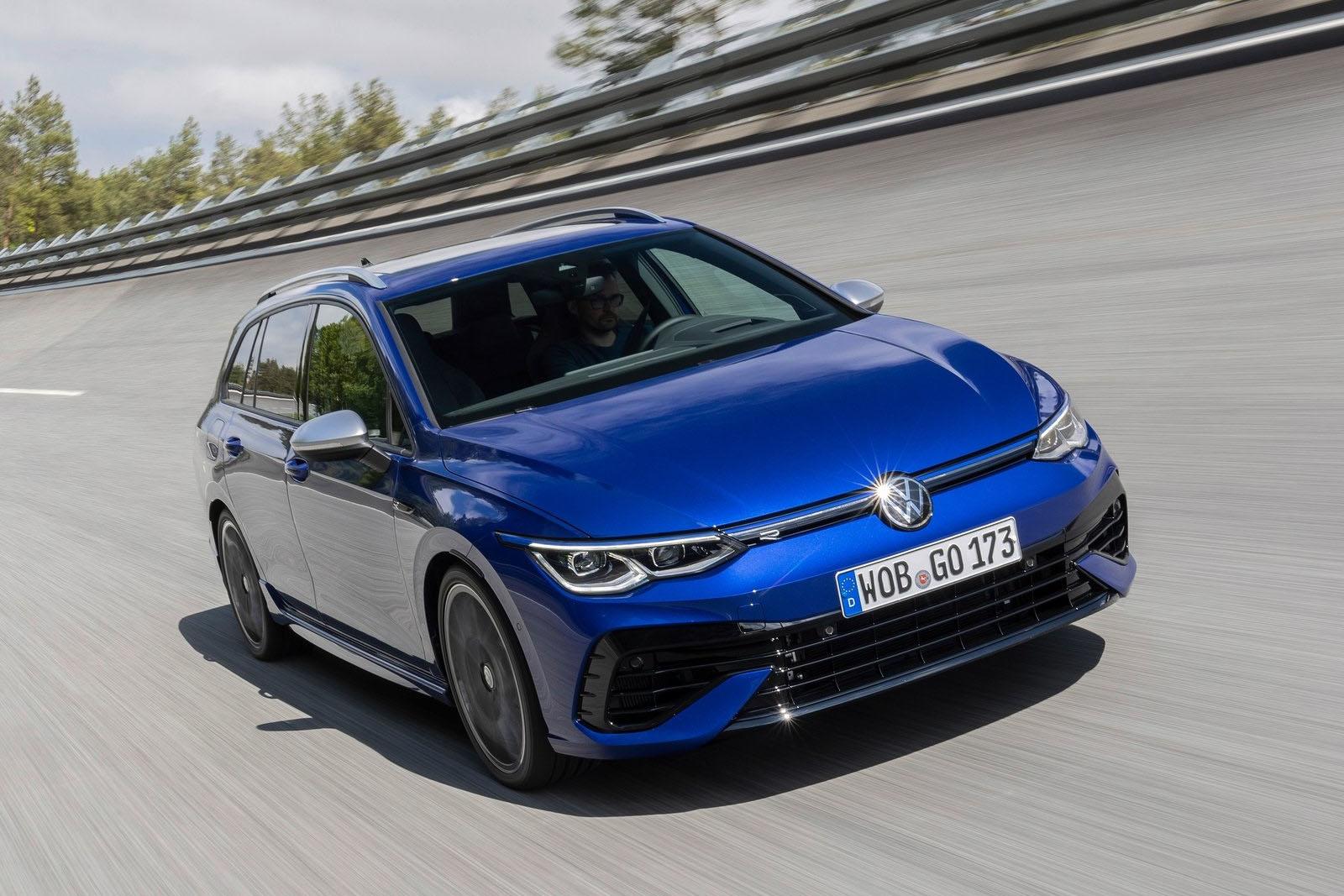 VW-Golf-R-Variant-2022-Front-Side