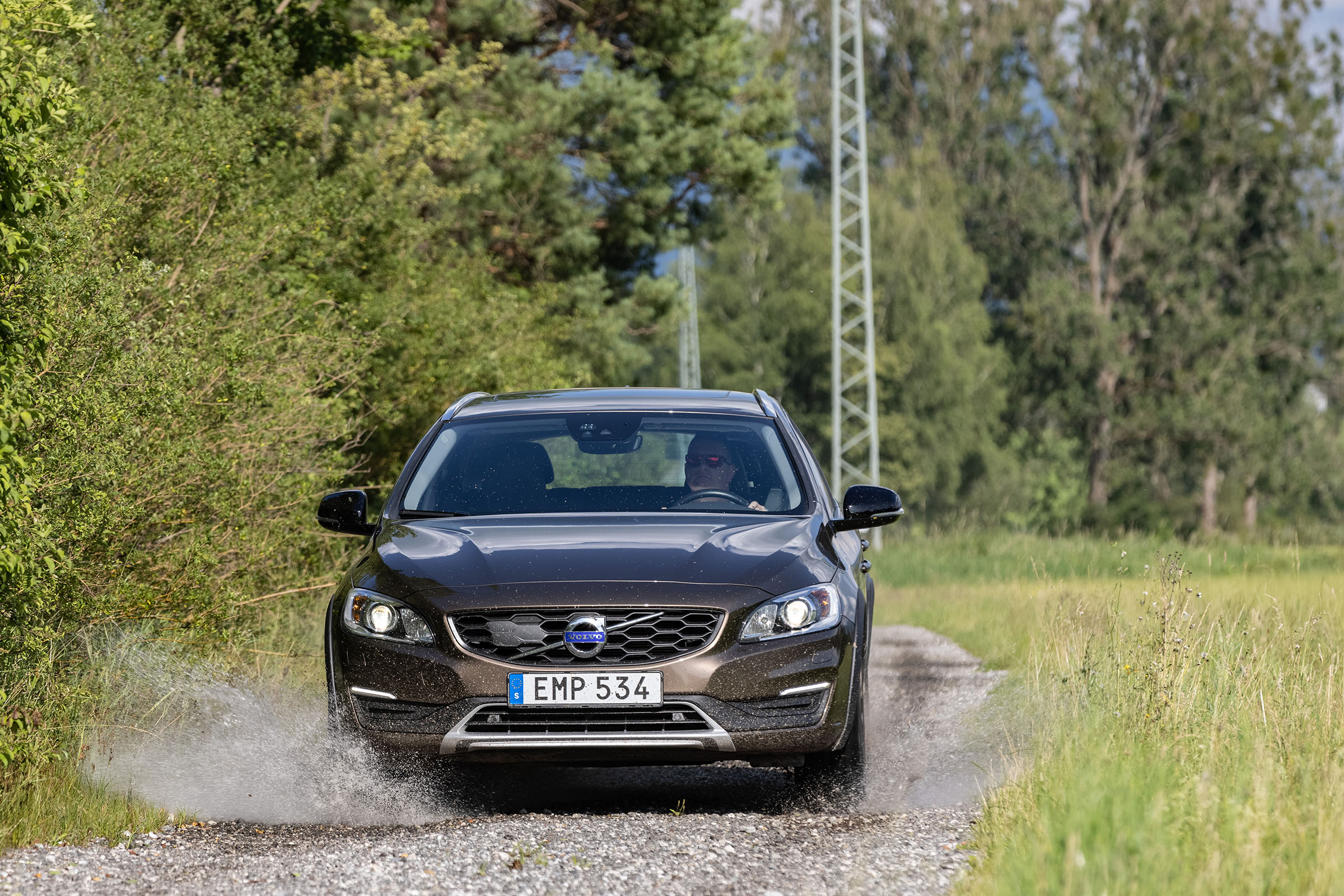 Volvo cross-country V60CC front