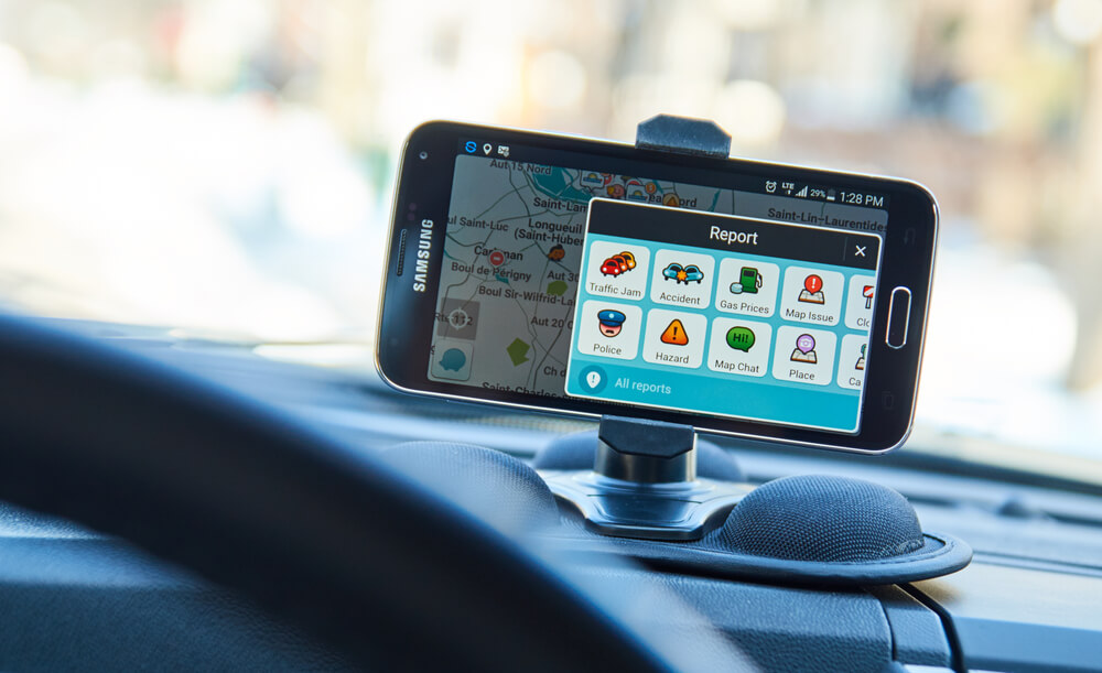 Avoid Distracted Driving While Using Your Mobile Map
