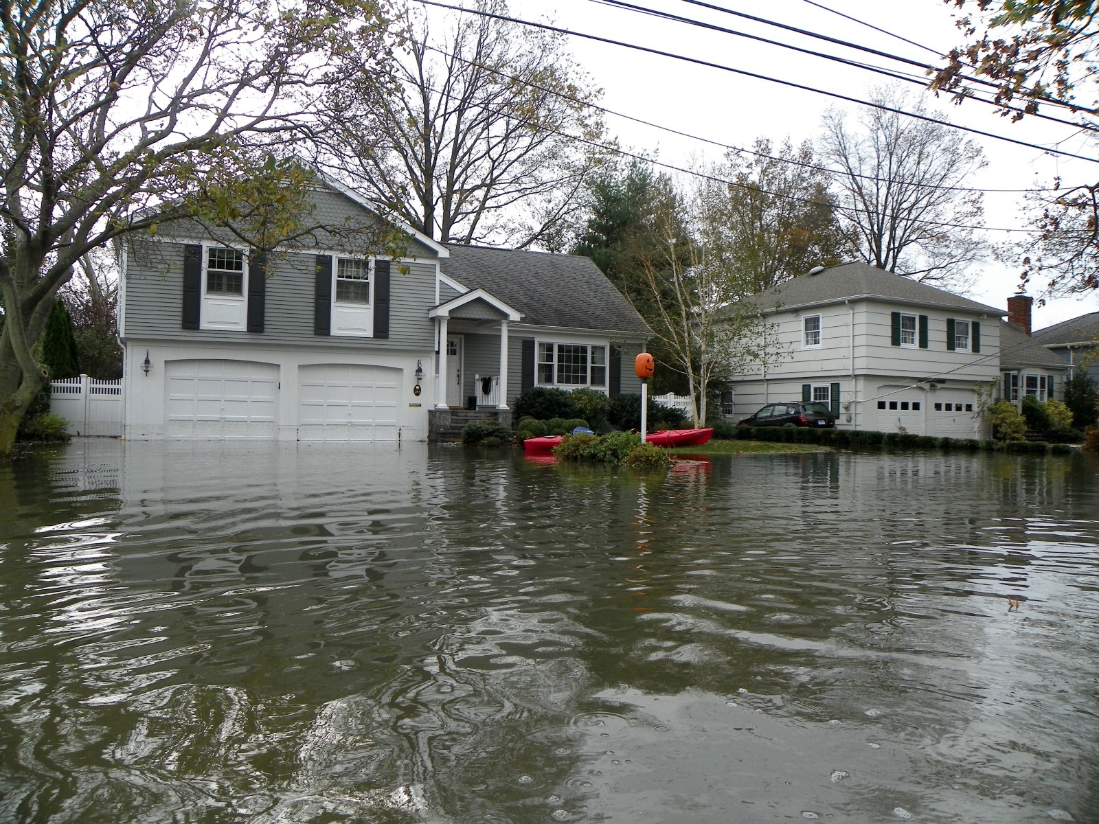 what do i need to know about purchasing flood insurance clearsurance. Black Bedroom Furniture Sets. Home Design Ideas