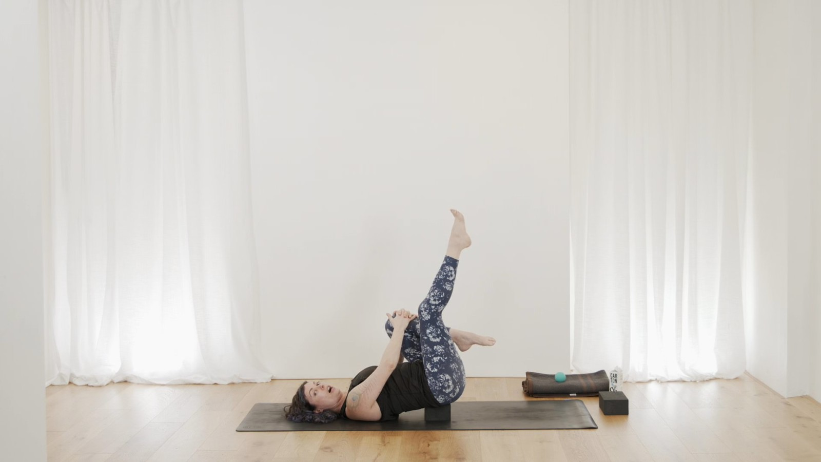 Essentials For Hip Stability with Vicki Smart