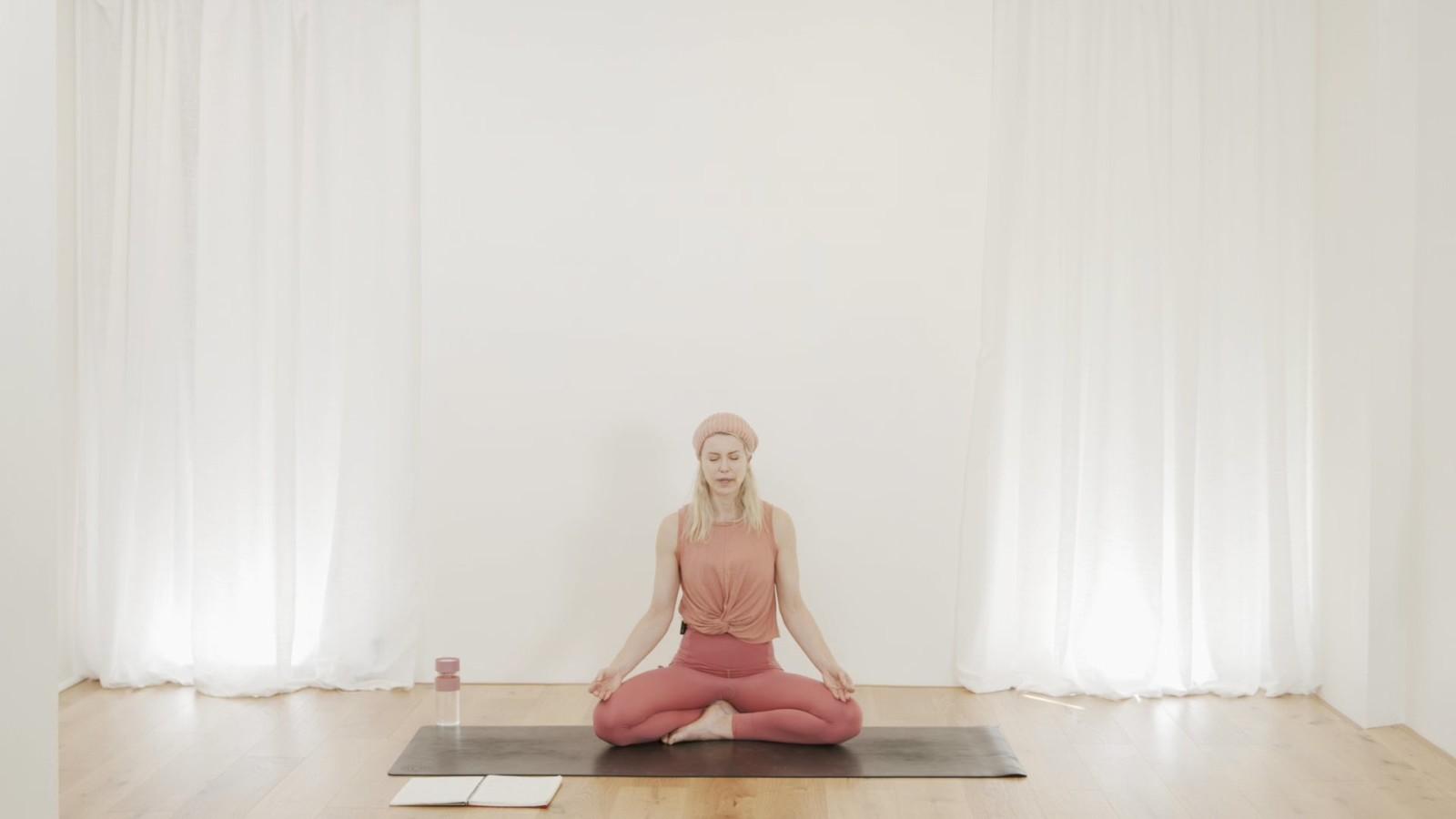 Vinyasa Flow to get into the Flow of Life with Aimee Pedersen