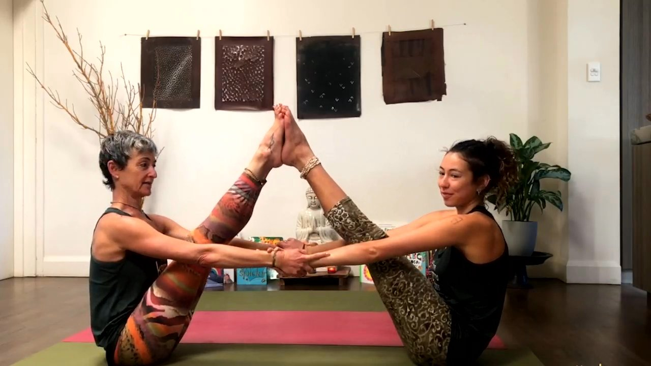 Family Yoga Live 2-7yrs with Beth Borowsky