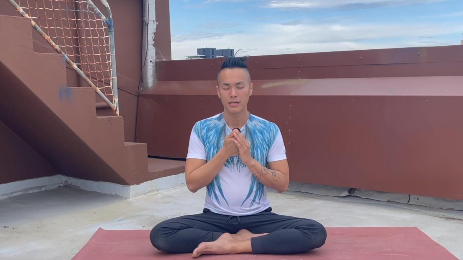 Morning Energizing Breathwork Routine with Johnson Chong