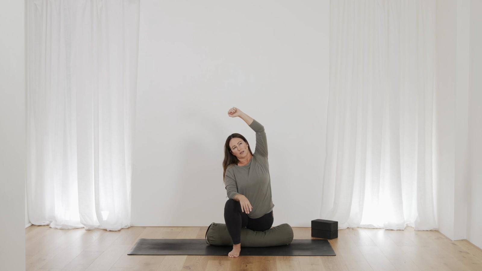 Yin Mandala For Your Hips with Mel McLaughlin