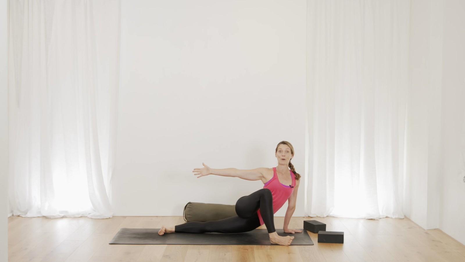 A Prenatal Moving Mandala Flow with Vanessa Mitchell