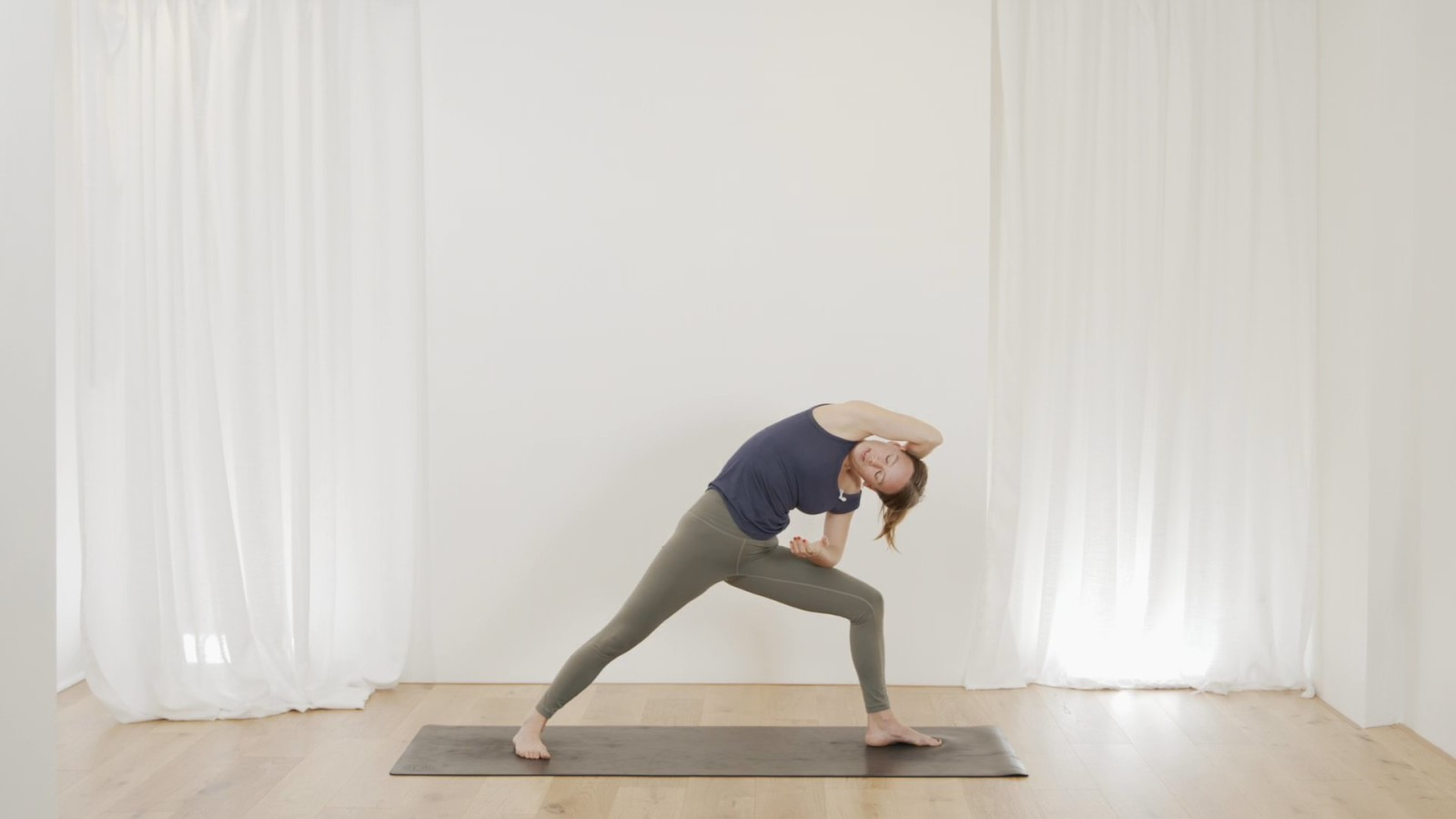 Chilled Hip Flow with Janet Yockers