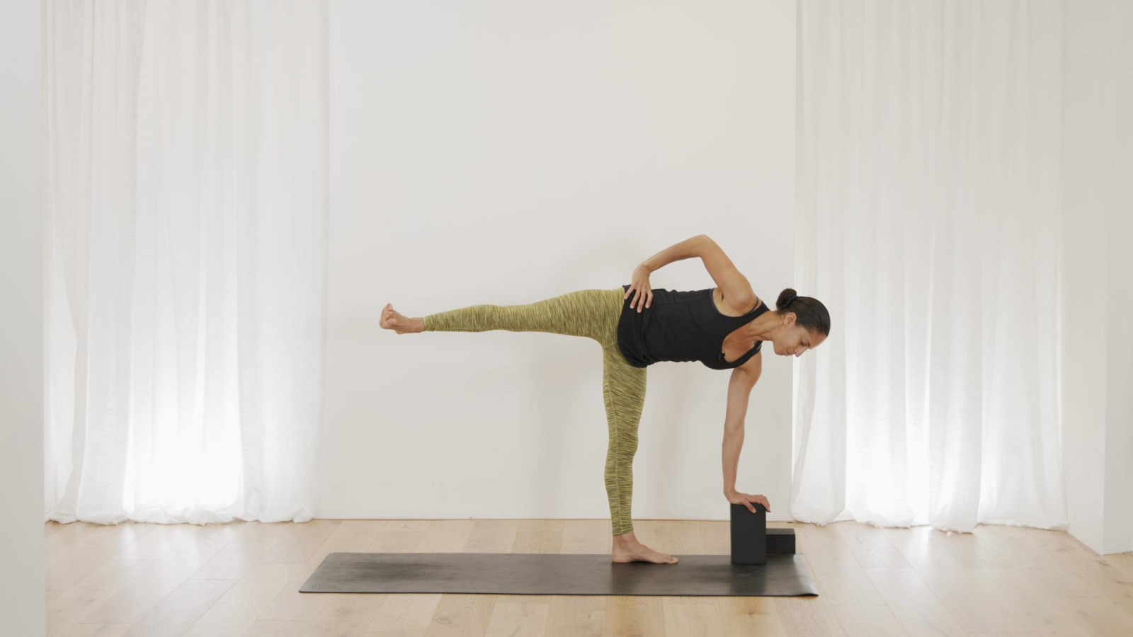 Beginner Series 3 of 5 - Balancing with Claudine Lafond