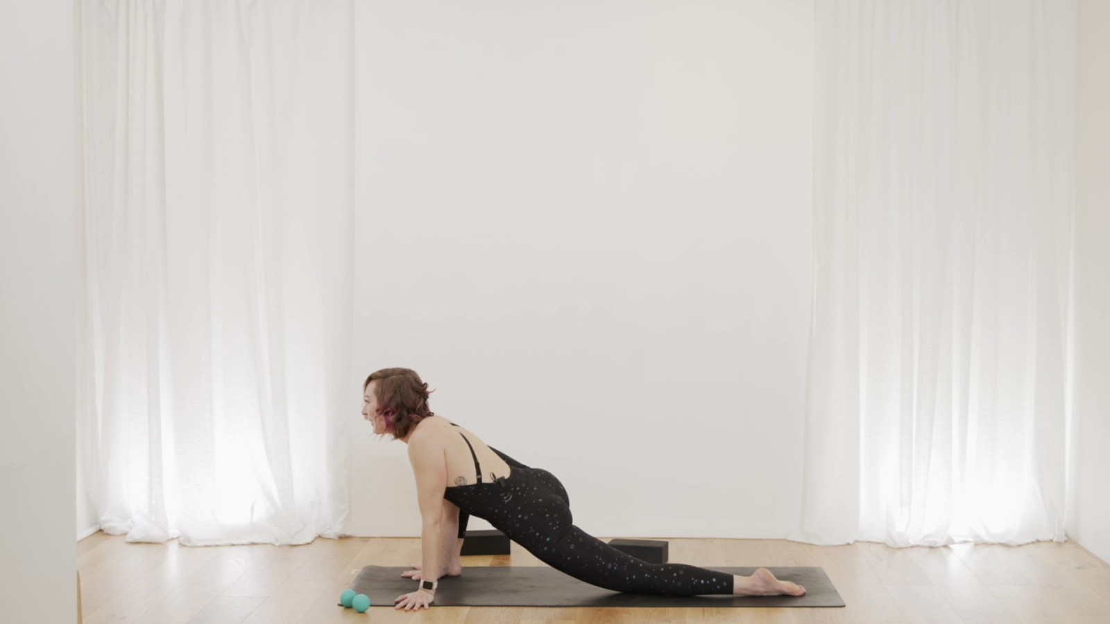 Smooth Strong Hips with Vicky Chapman
