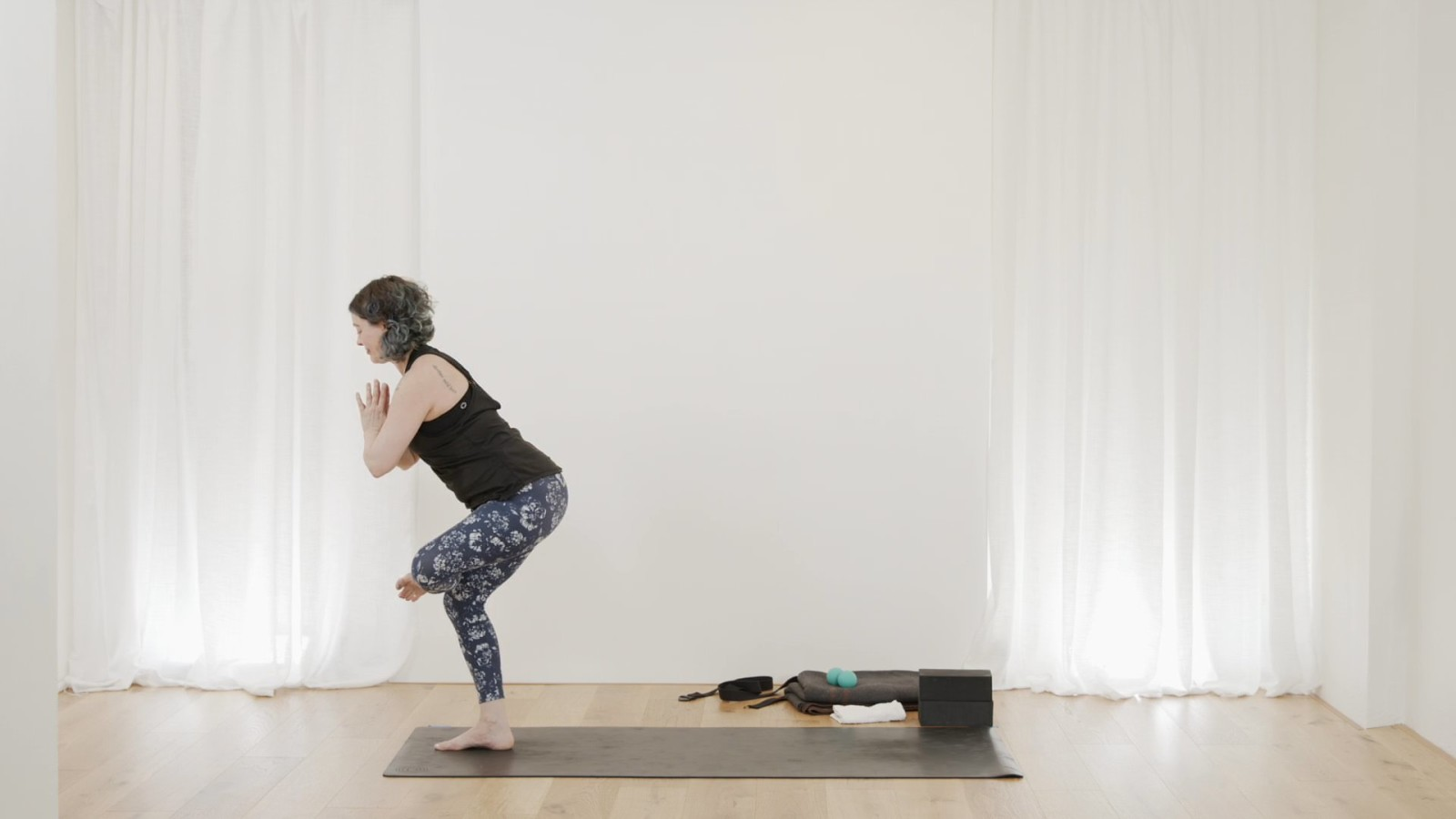 Hip and Spine Myoflow with Vicki Smart