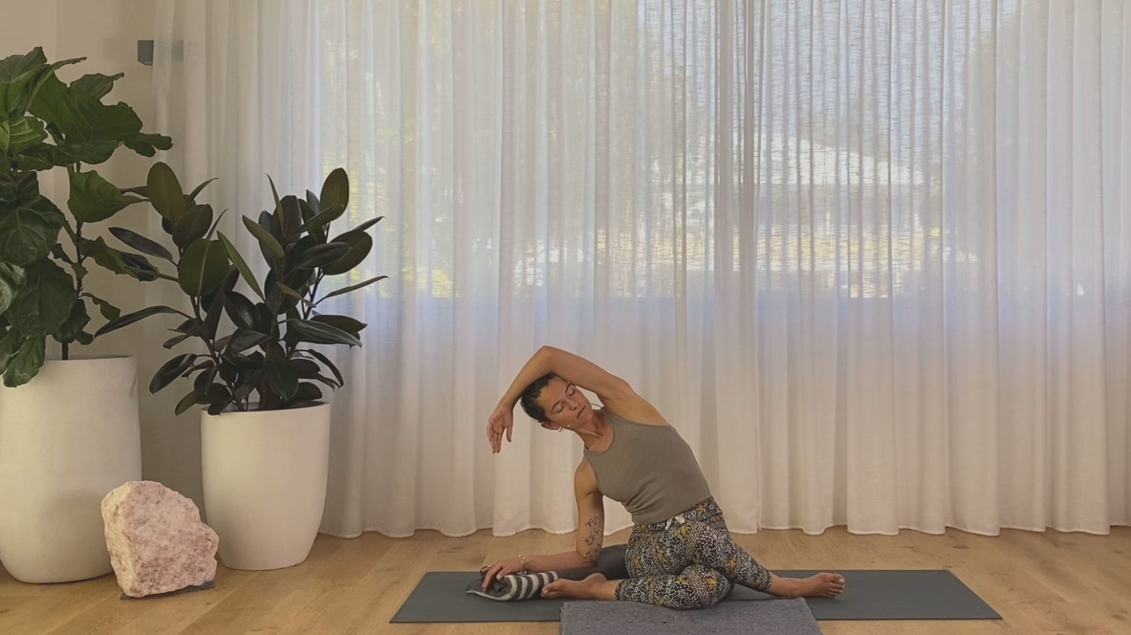 Pause For Productivity Yin with Maryanne Edwards